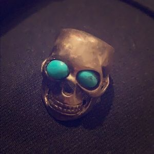 Jewelry - Silver and turquoise skull ring
